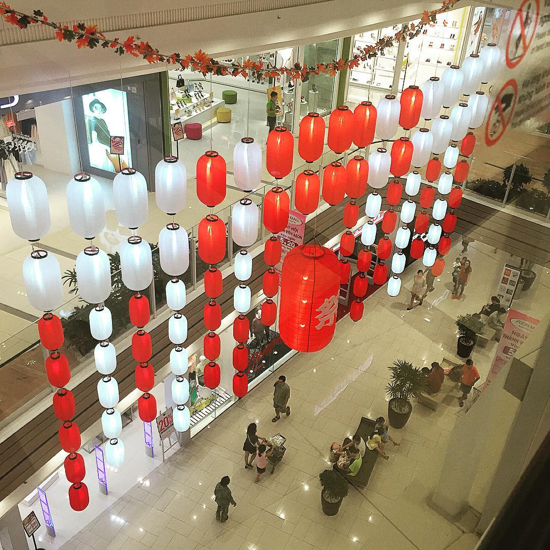 Lồng Đèn Nhật Bản - Tông màu chủ đạo Trắng Đỏ